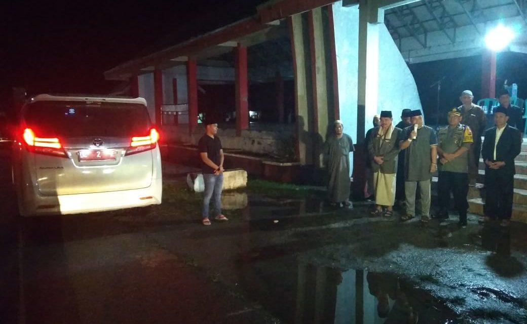 Wakil Bupati Pasangkayu Dan Kabag Sumda Polres Mamuju Utara Dampingi Sekda Pasangkayu Lepas Pawai Takbiran